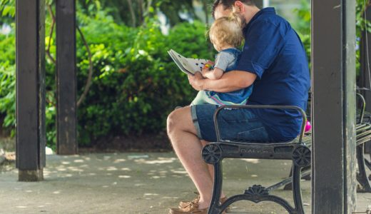 男性の育児休暇の現実。取得率は低く期間は短い。