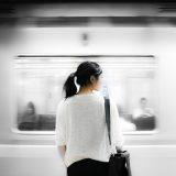 電車 女性